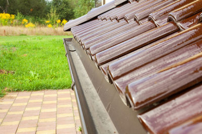 Roof-Tile-roof-and-gutter
