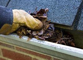 clean gutters Toledo roofing contractor